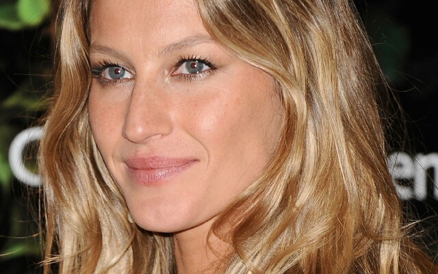 "Gisele Bundchen Presents ""Ipanema-Gisele Bundchen"" Footwear Collection"
